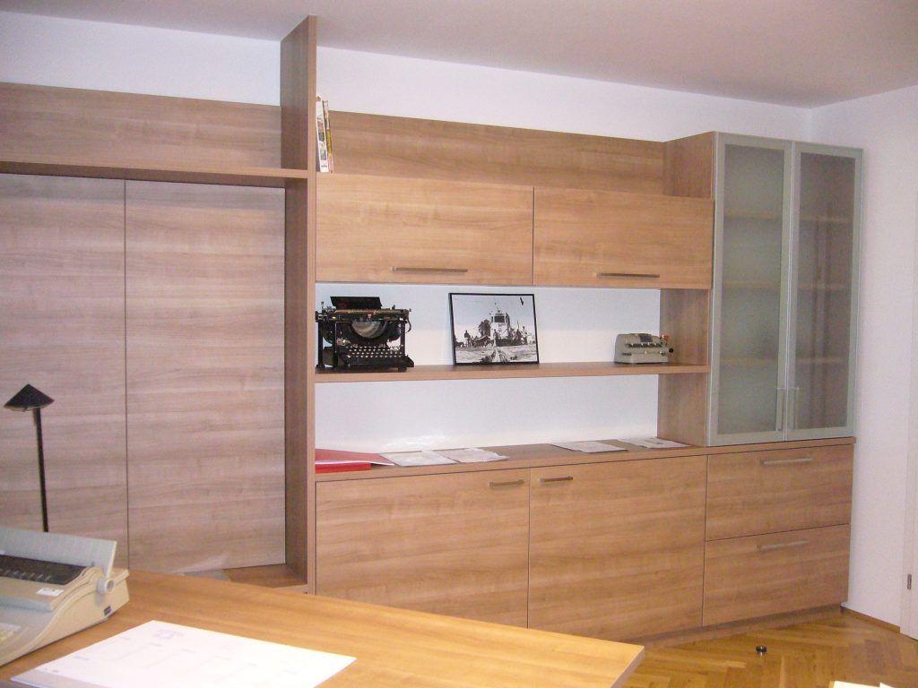 Büro mit Stauraum