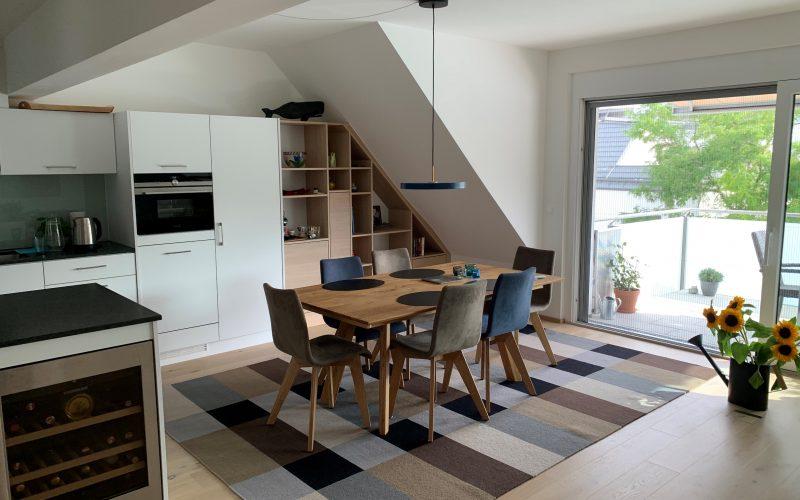 Wohnküche-Steinarbeitsplatte